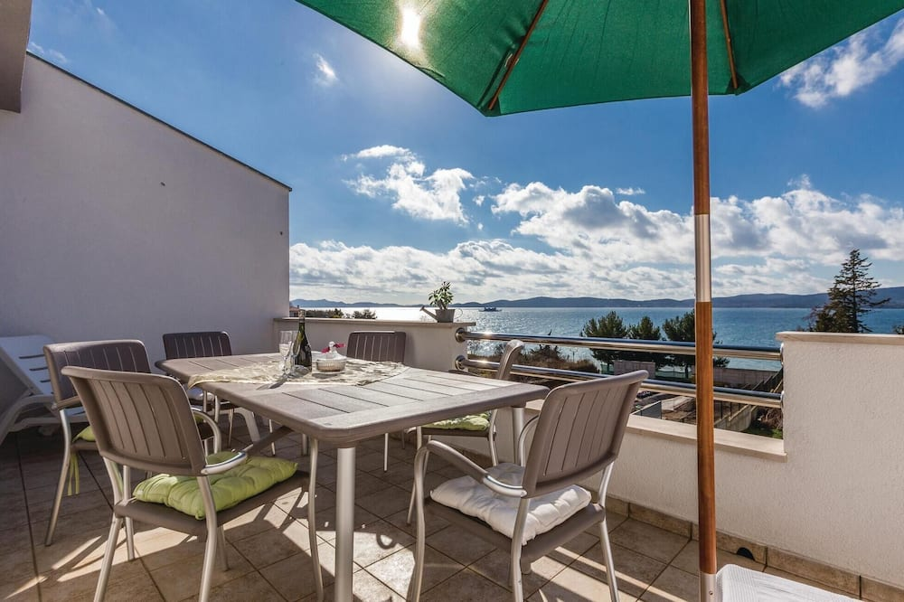Amazing Home in Zadar With Wifi and 2 Bedrooms