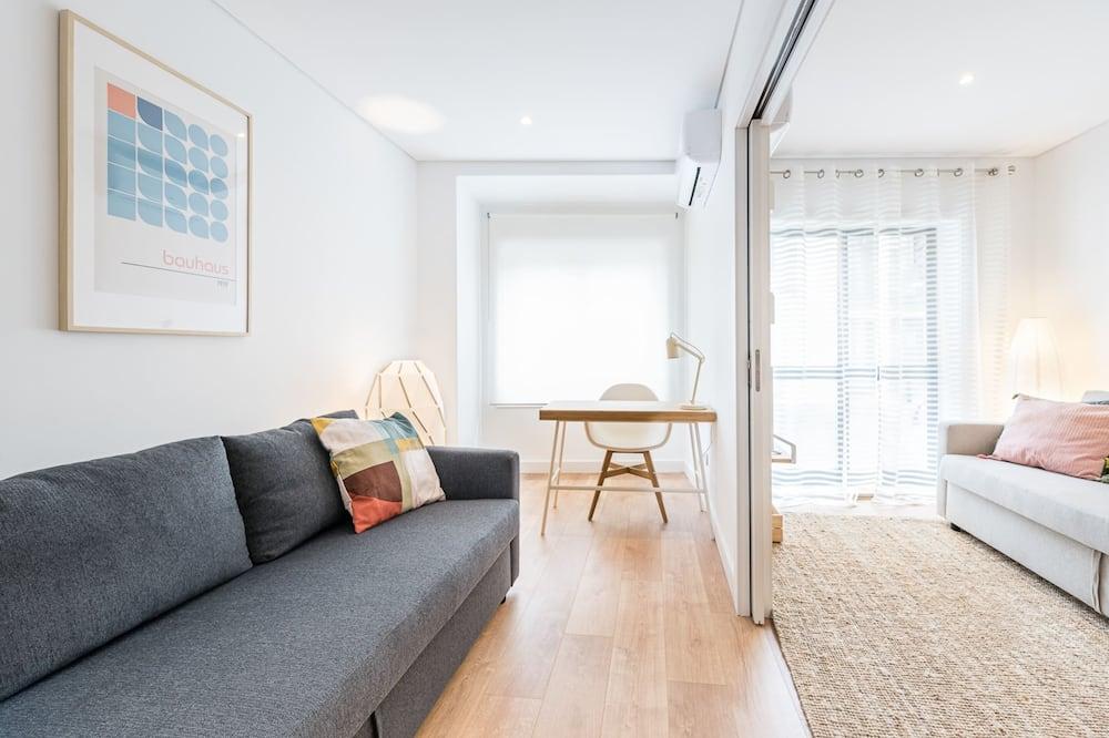 Apartamento básico, varias camas - Sala de estar