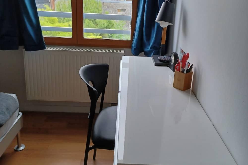 Au calme dans le Vieux Rouen, appartement entièrement rénové.