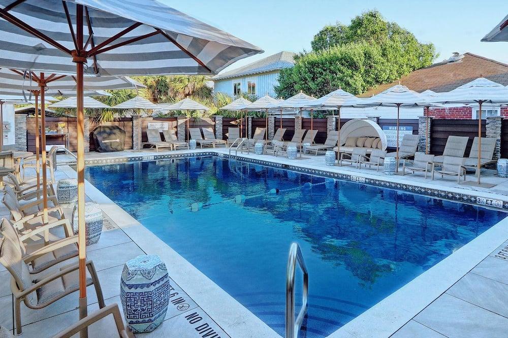 House, Multiple Beds (La De Da House) - Pool