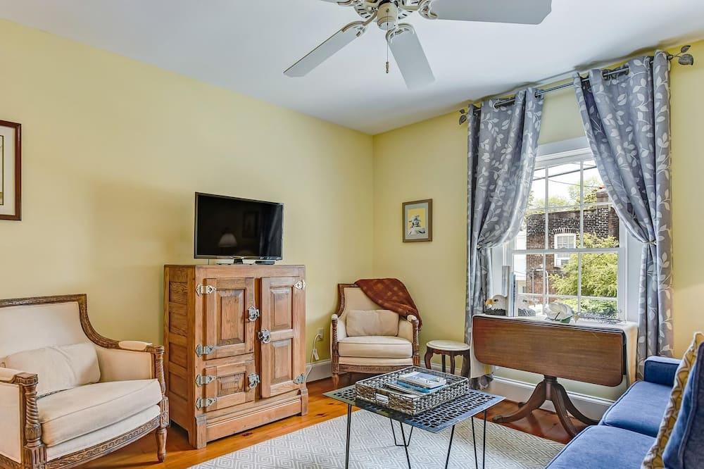 Ev, Birden Çok Yatak (Perry Lane Carriage House) - Oturma Odası