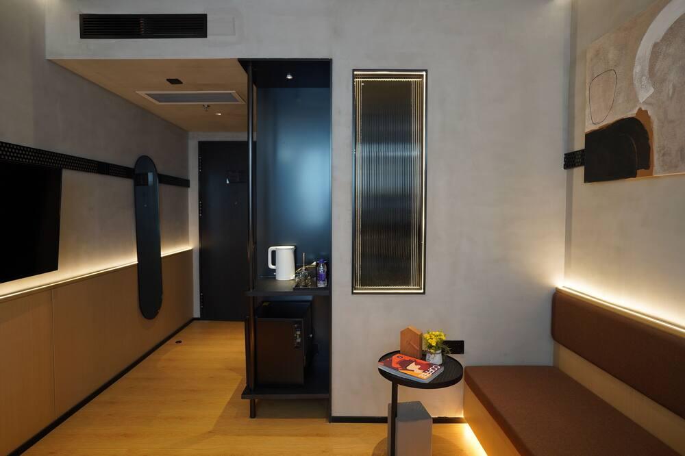 Elite Twin Room - Living Area
