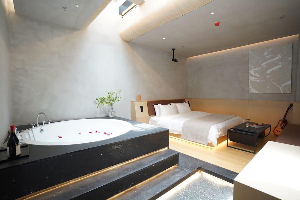 Premier Cinema Double Bed Room - Guest Room
