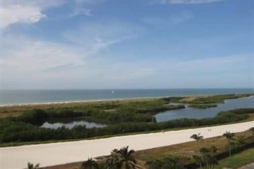 Sst2 1002 South Seas Tower 2 Bedroom Condo In Marco Island Hotels Com