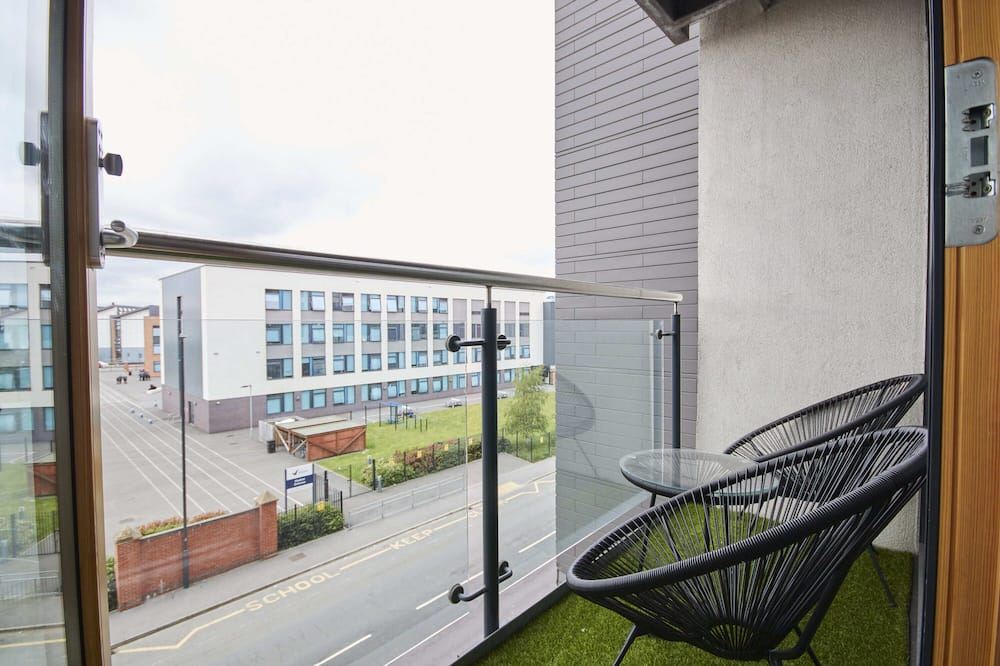 Deluxe Apartment, Private Bathroom - Balcony View