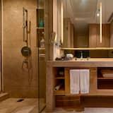Chambre Supérieure, 1 très grand lit, vue jardin - Salle de bain
