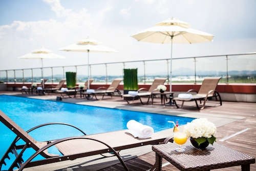 高陽索諾平靜飯店
