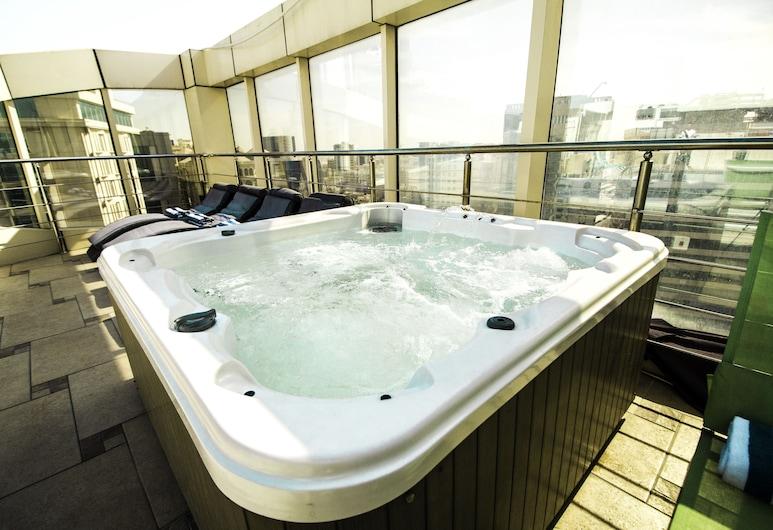 더 로열 리베라 호텔, 도하, 야외 스파 욕조