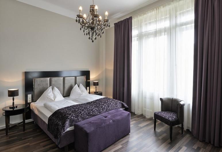Hotel Pension Baron am Schottentor, Viena, Quarto