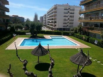 תמונה של Apartamentos Oliveras בLloret de Mar