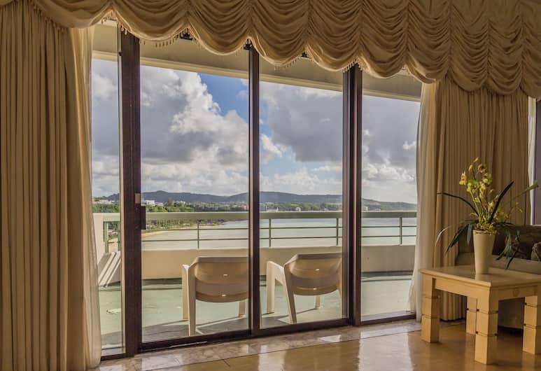 알루팡 비치 타워, 타무닝, 파노라믹 펜트하우스, 침실 4개, 주방, 바다 전망, 객실에서 보이는 전망