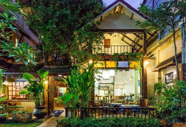 Changmoi House (Little Village), Chiang Mai, Hotel Entrance