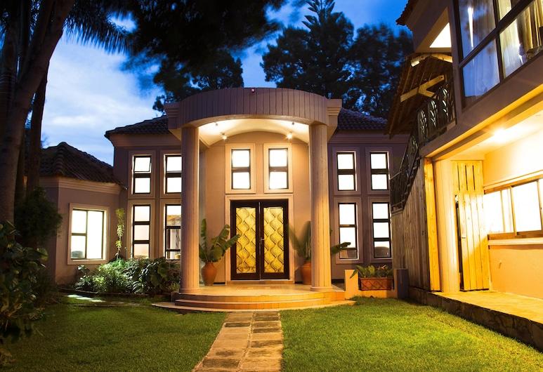 Zawadi House, Arusha, Hotel Entrance