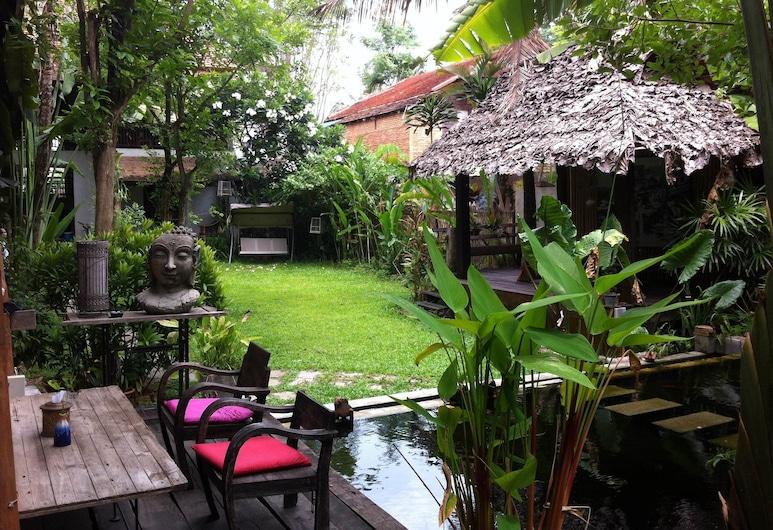 Baan Gong Kham, Chiang Mai, Taman
