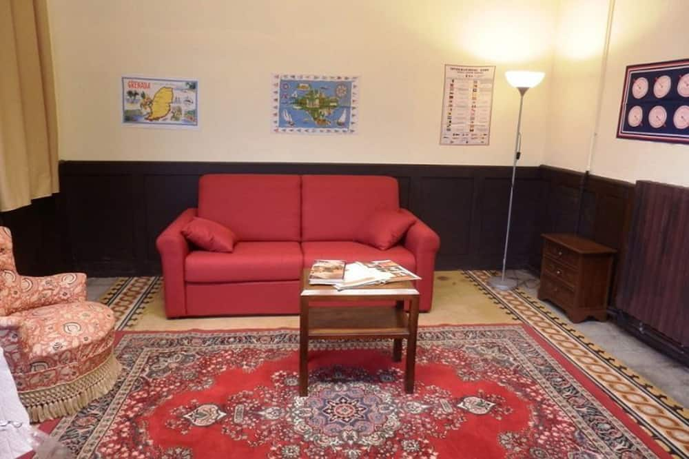 Rodinné apartmá, dvojlůžko a rozkládací pohovka, soukromá koupelna - Obývací prostor