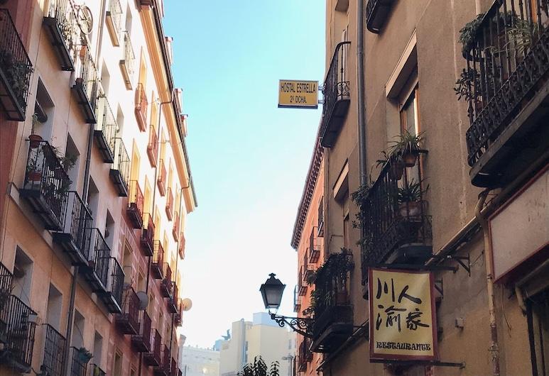 Hostal La Estrella, Madrid, Fachada del hotel