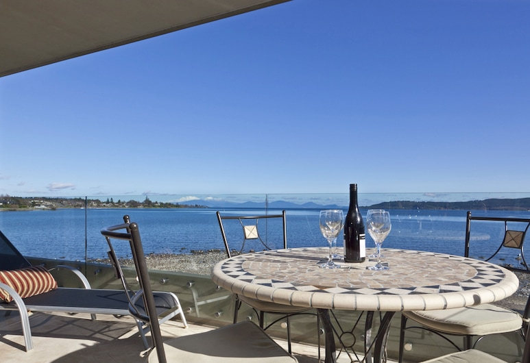 The Reef Resort - Heritage Collection, Taupo, Luxury Apartment, 3 Bedrooms, Lake View, Lakeside, Terrace/Patio
