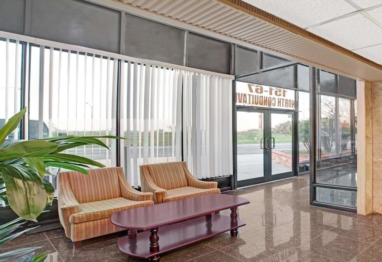Super 8 by Wyndham Jamaica North Conduit, Jamaica, Lobby