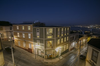 Picture of Casa Galos Hotel & Lofts in Valparaiso