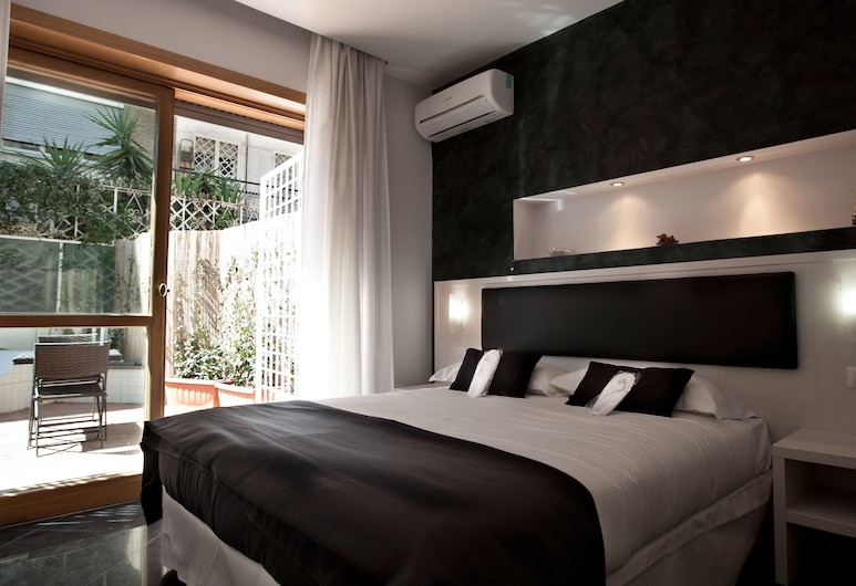 Heart of Rome Hotel - B&B, Rome, Deluxe Double or Twin Room, Guest Room