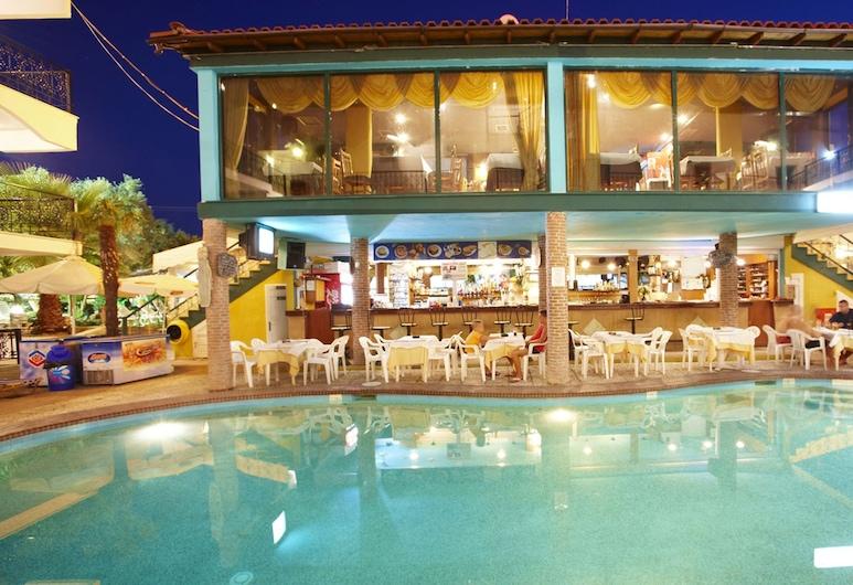 Hanioti Grand Victoria, Kassandra, Bar a bordo piscina