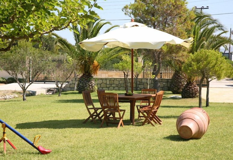 Villa Carina, Kefalonia, Property Grounds