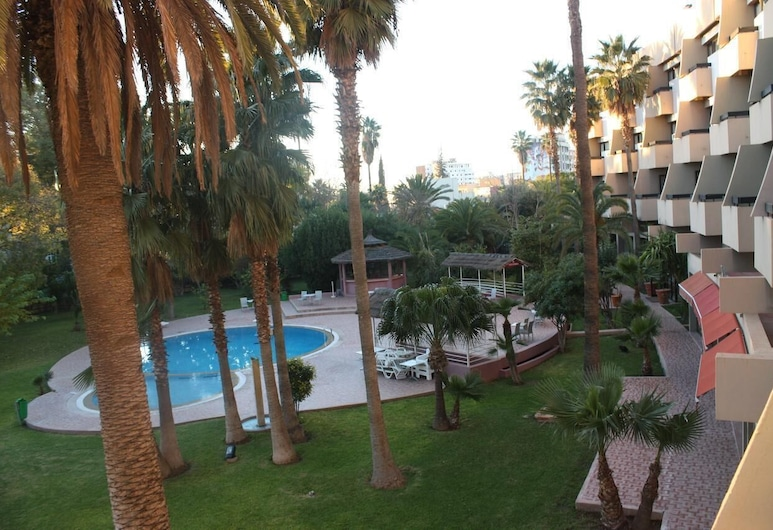 阿特拉斯東方飯店, 烏季達, 花園