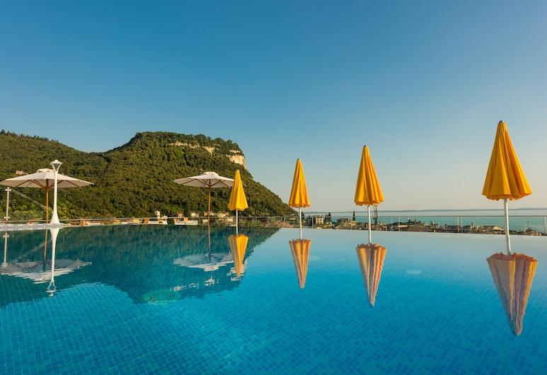 Sky Pool Hotel Sole Garda, Garda