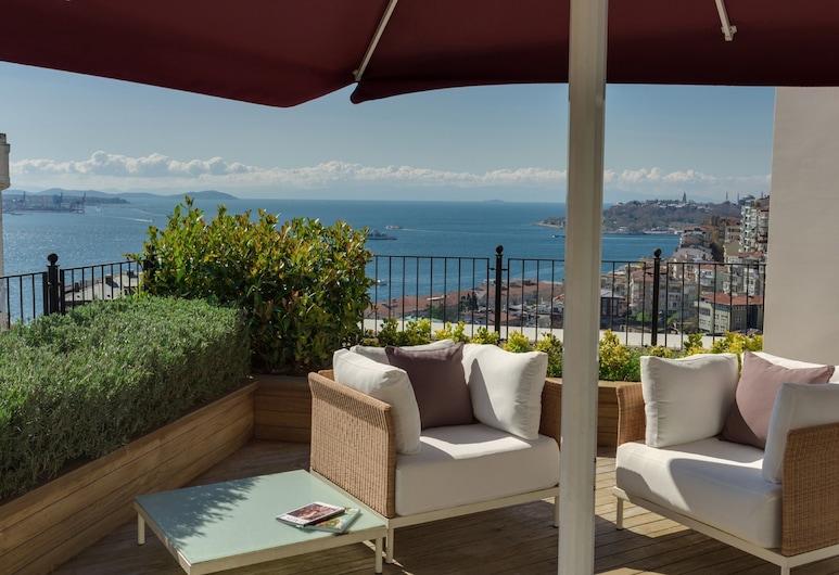CVK Park Bosphorus Hotel Istanbul, Istanbul, Park Prestige Suites 3 Bedroom Bosphorus View with Terrace, Terrasse/Patio