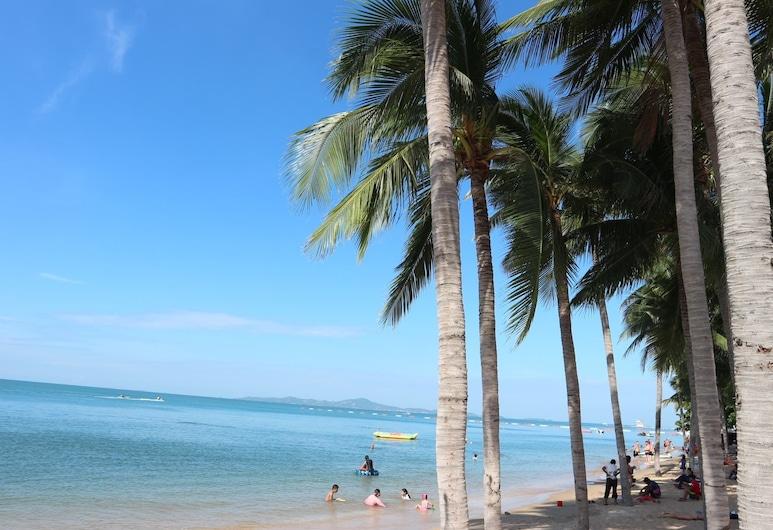 ميرميدز بيتش ريزورت, باتايا, الشاطئ