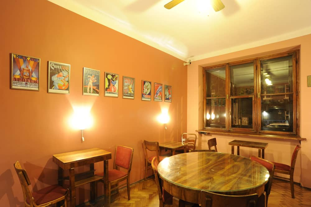 חדר סטנדרט טווין, 2 מיטות יחיד, חדר רחצה משותף - מטבח משותף