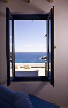 Bild vom Aegea Blue Cycladic Resort in Andros