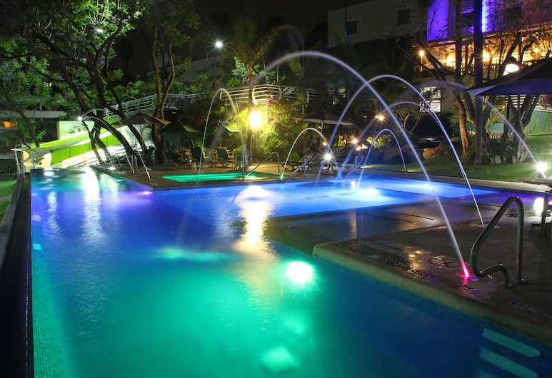 Holiday Inn Express Hotel & Suites Cuernavaca, Cuernavaca, Piscina