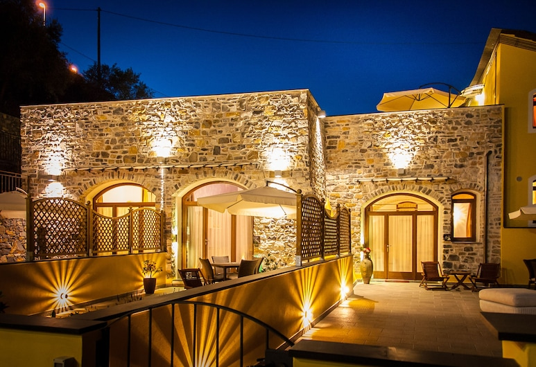 Agriturismo Antico Frantoio Doria Resort, Imperia, Fasáda