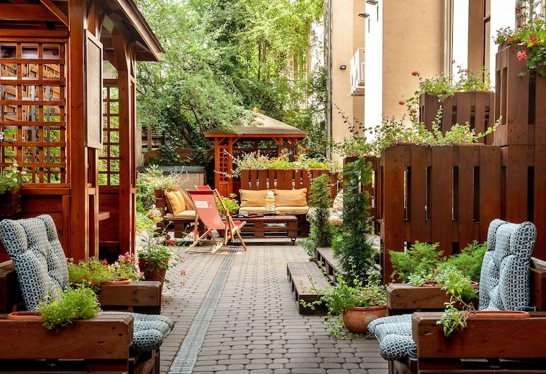 Hotel Amber Design, Krakau, Garten