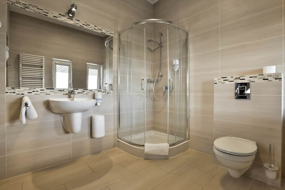 Номер «Делюкс» (1 двоспальне або 2 односпальних ліжка), рівень із покращеним обслуговуванням - Ванна кімната