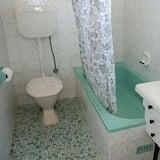 Standard Apartment, 1 Bedroom, Non Smoking, Kitchen (7 nights) - Bathroom