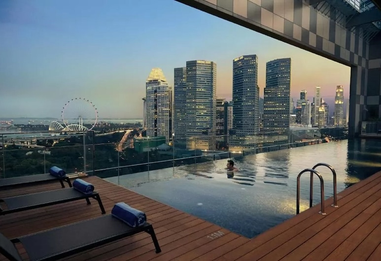 Pan Pacific Serviced Suites Beach Road, Singapore (SG Clean), Singapore, Pool