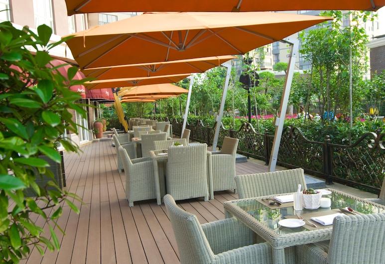 Royal Grace Hotel, Wuhan, Restauration en terrasse
