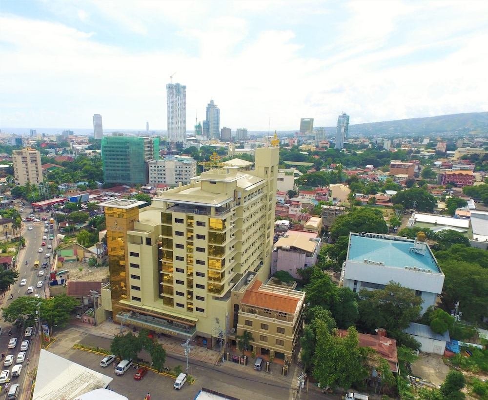 Book Golden Prince Hotel and Suites in Cebu | Hotels.com