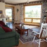 Suite, Private Bathroom (Cottage Suite) - Living Area