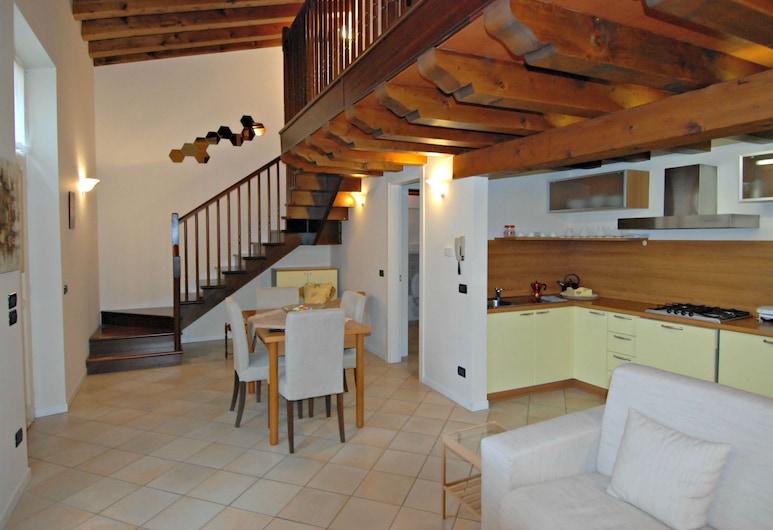 Flowers Apartments 2, Desenzano del Garda, Studio, Oberes Stockwerk (Loft), Wohnzimmer