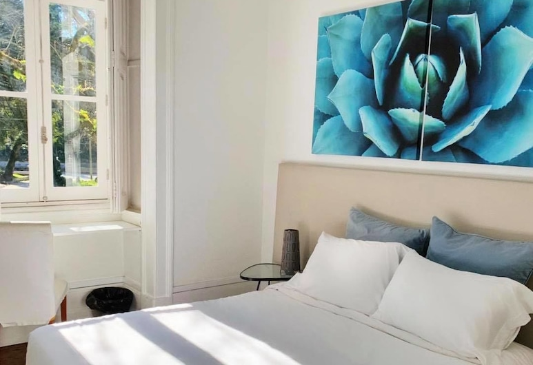 WW Hostel & Suites, Coimbra, Double Room, Private Bathroom (With Extra Bed), Guest Room