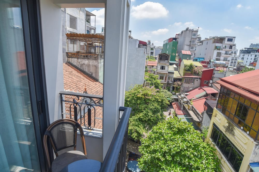 Street View Balcony Suite - ระเบียง