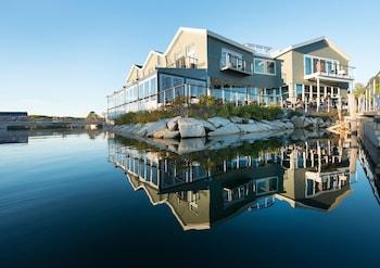Mynd af The Boathouse Waterfront Hotel & Marina í Kennebunkport