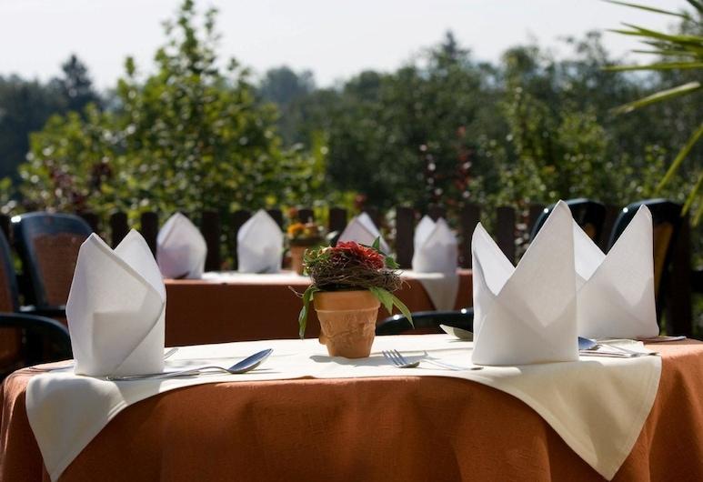 โรงแรมซอนเนินฮาง เคมป์เทน, Kempten, รับประทานอาหารกลางแจ้ง