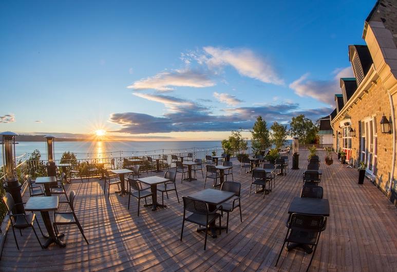 Hôtel Le Manoir, Baie Comeau, Terrace/Patio