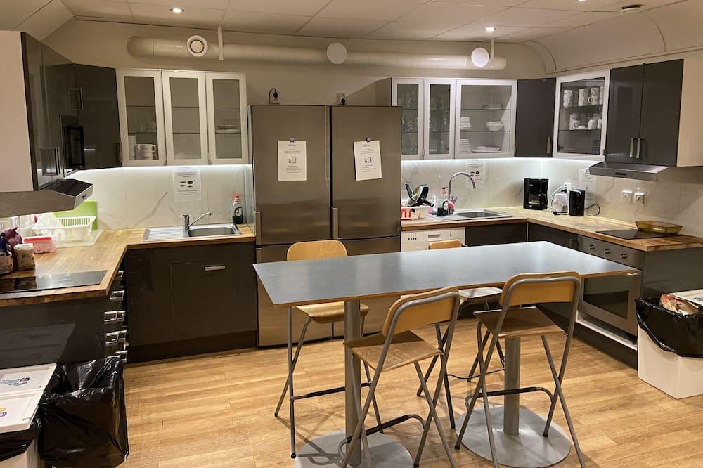 Habitación cuádruple básica, baño compartido - Cocina compartida
