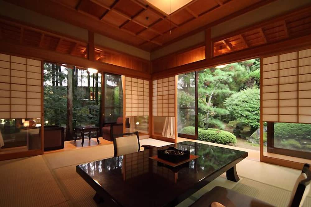 Tradiční hotelový pokoj (Sukiya Style Room) - Obývací prostor