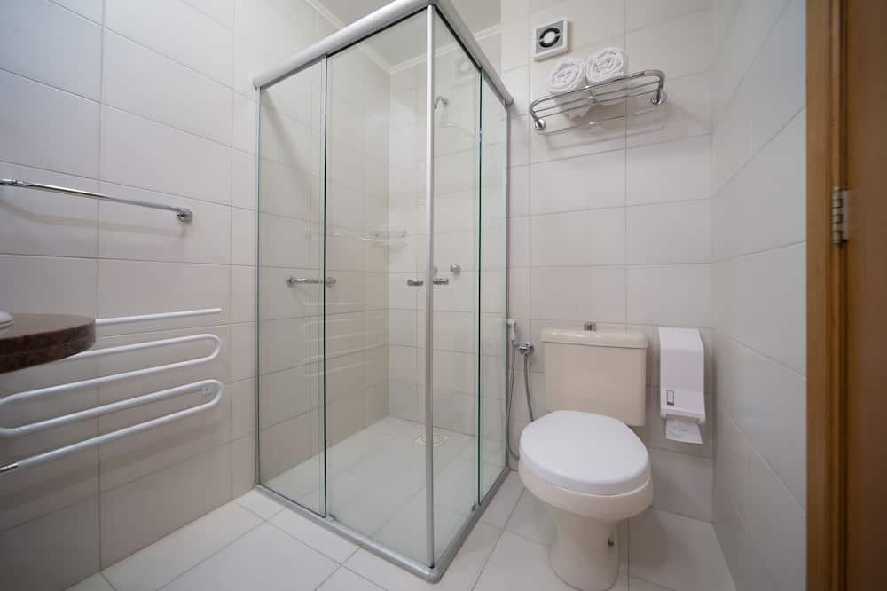 Liukso klasės kambarys (1 dvigulė / 2 viengulės lovos) - Veranda